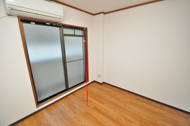 コーポフェルメール 明るいお部屋は風通しも良く、心地よい気分になります。