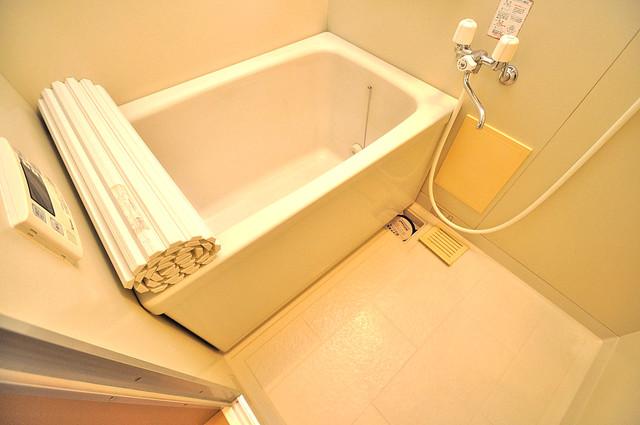 サンビレッジ・なかもり ゆったりと入るなら、やっぱりトイレとは別々が嬉しいですよね。