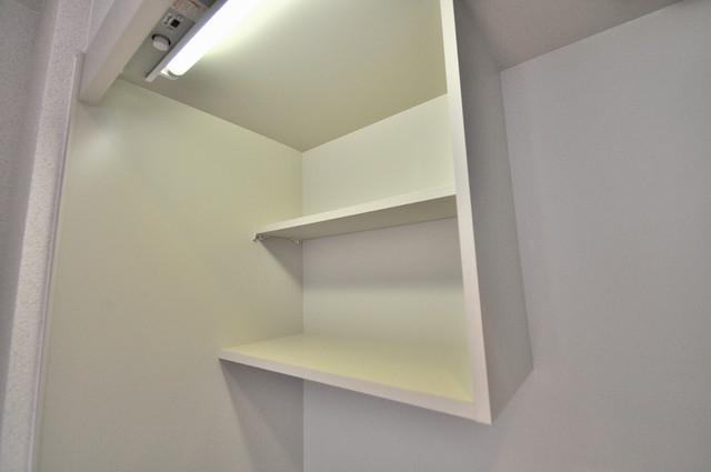 M'プラザ布施弐番館 キッチン棚も付いていて食器収納も困りませんね。