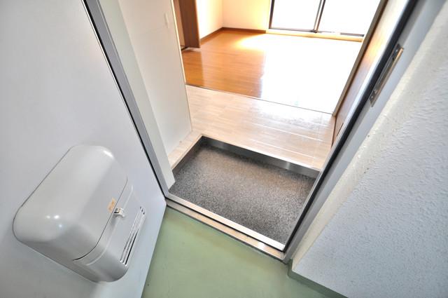 OKハイツ神路 素敵な玄関は毎朝あなたを元気に送りだしてくれますよ。