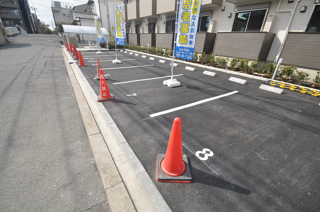 AXIA(アクシア) 敷地内にある駐車場。愛車が目の届く所に置けると安心ですよね。