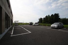https://image.rentersnet.jp/36f81a98-d2a8-42fc-9e04-4ea160813a88_property_picture_2988_large.jpg_cap_駐車場