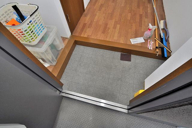 アネックスサンタオ 玄関を開けると解放感のある空間がひろがりますよ。
