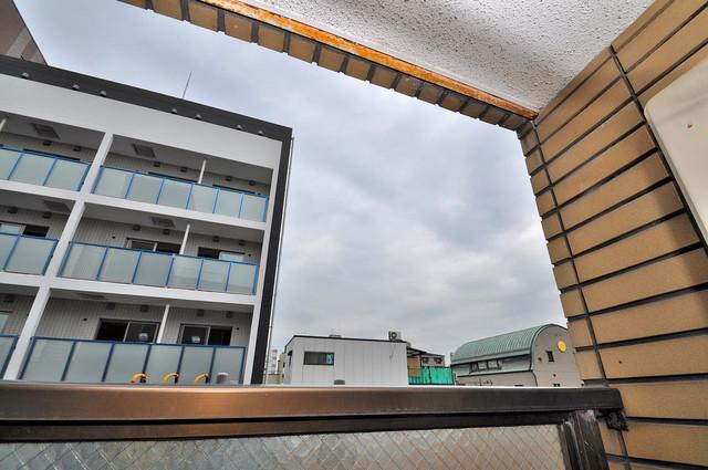 メルヘン新今里 この見晴らしが陽当たりのイイお部屋を作ってます。