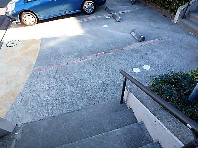 ルミエール2M棟駐車場