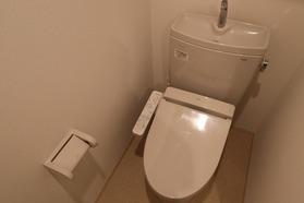 https://image.rentersnet.jp/3821fb6b-043a-438b-9ce5-0a7ea3d52dd1_property_picture_1992_large.jpg_cap_トイレ