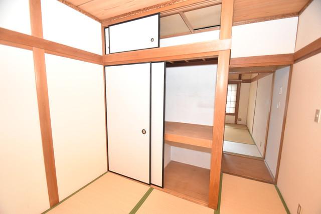 巽北1-29-14 貸家 大きなクローゼットはたくさんの衣装もスッキリ片付きます。