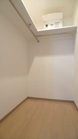 フルハウス 201号室