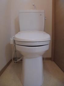 https://image.rentersnet.jp/388ebec3-759b-4466-ab44-10a6401408ba_property_picture_959_large.jpg_cap_トイレ