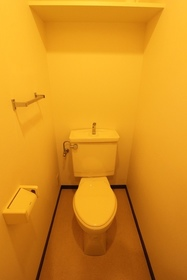 イカリヤビル 401号室