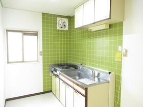 https://image.rentersnet.jp/39027877-5eff-4ffb-9be2-730cd2c534f7_property_picture_953_large.jpg_cap_キッチン