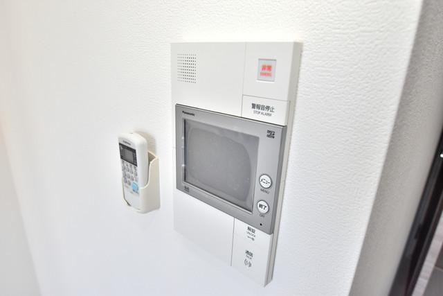 レジュールアッシュOSAKA今里駅前 TVモニターホンは必須ですね。扉は誰か確認してから開けて下さいね