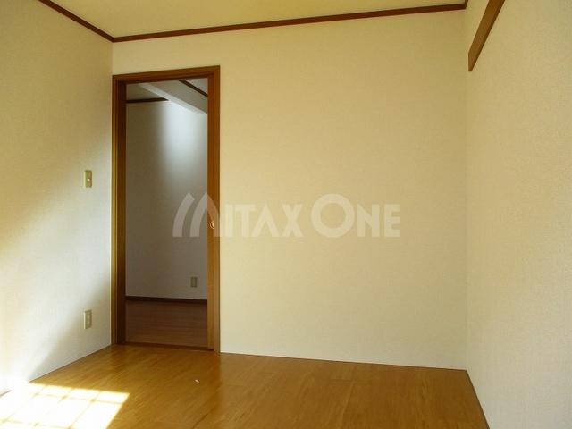 レフィナード居室