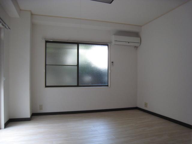 幡ヶ谷駅 徒歩5分居室