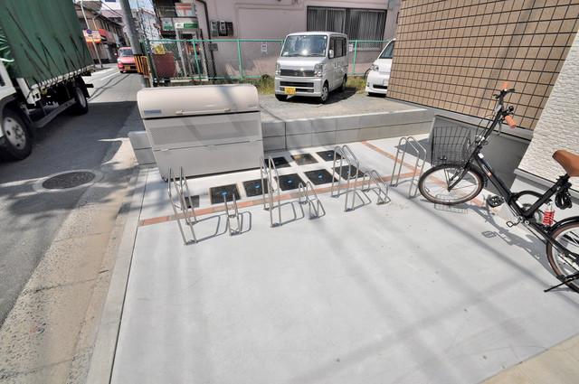 ハーモニーテラス西堤楠町 あなたの大事な自転車も安心してとめることができますね。
