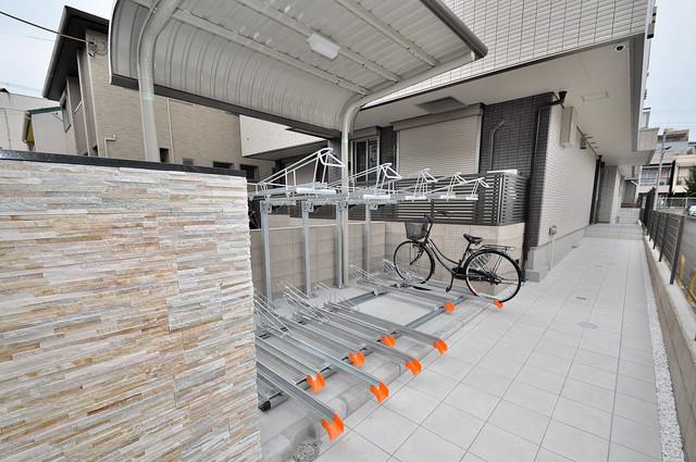 ma.maison(マ.メゾン) 屋根付きの駐輪場は大切な自転車を雨から守ってくれます。