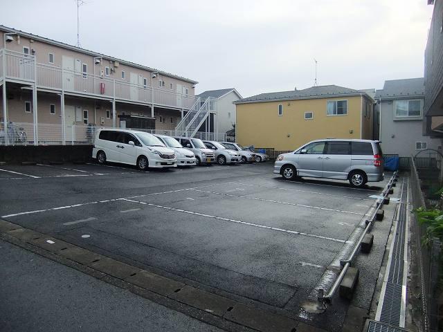ヒルクレストA駐車場