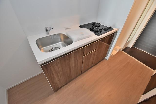 スプランディッド荒本駅前 システムキッチンなので広々使えて、お料理もはかどります。