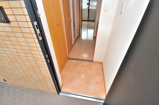 CITY SPIRE布施(ラグゼ布施) 玄関スペースには余計なものは置かず、シンプルですっきりしているのがいいですね。
