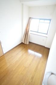 https://image.rentersnet.jp/3a22ee66453c526d63a1c4dabecf7153_property_picture_1800_large.jpg_cap_洋室4.6帖