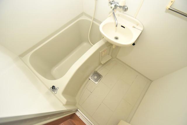 アベニューリップル長田Ⅱ ちょうどいいサイズのお風呂です。お掃除も楽にできますよ。