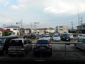 泉マンション駐車場