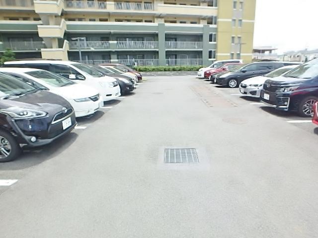 エクシオ八王子みなみ野レジデンス駐車場