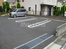 ヴィラシャルマン駐車場