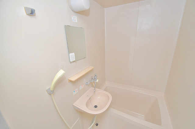 サンフロラ 可愛いいサイズの洗面台ですが、機能性はすごいんですよ。