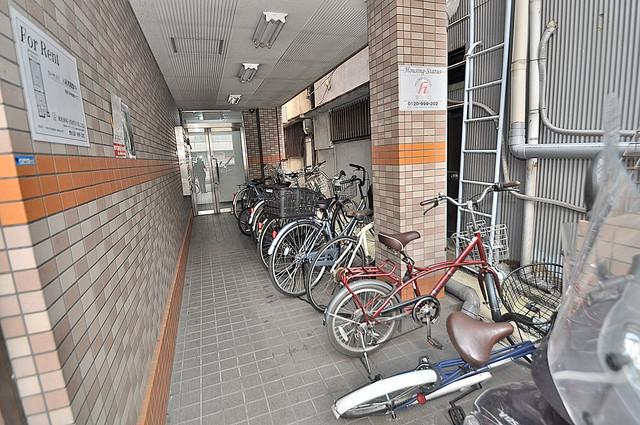 カーサAY 敷地内には専用の駐輪スペースもあります。