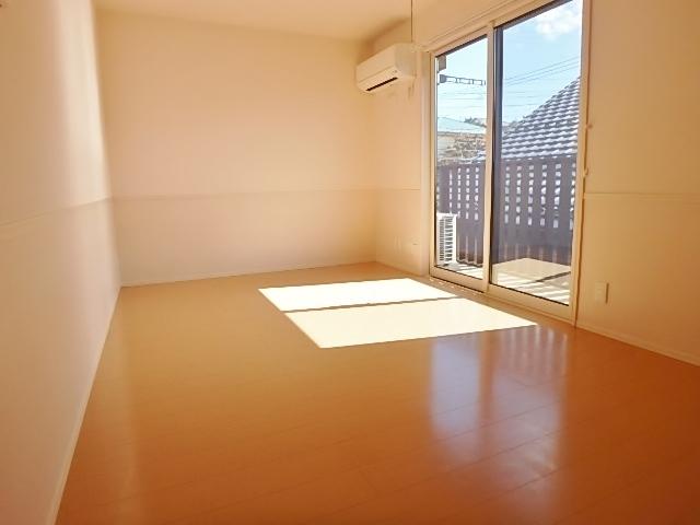 コーポレートハウスチョモザ居室