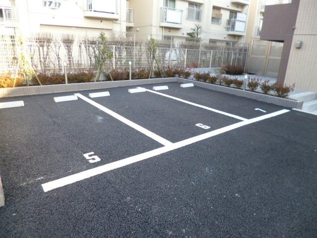 スカイコートパレス千川駐車場