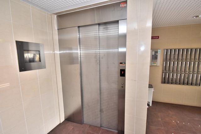 サンヒルズ 嬉しい事にエレベーターがあります。重い荷物を持っていても安心