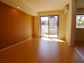 デジナーレ鵜の木 102号室