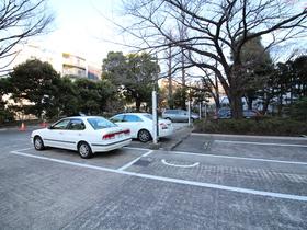 広尾タワーズ駐車場