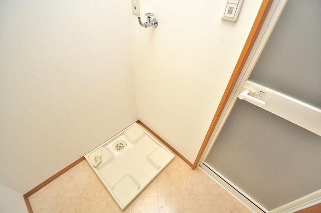 メゾンフレール 洗濯機置場が室内にあると本当に助かりますよね。
