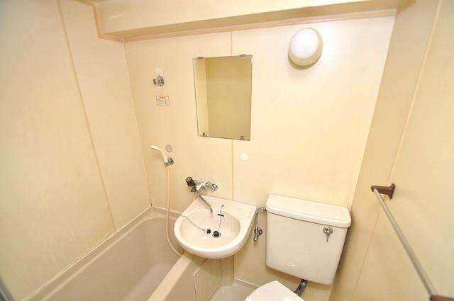 ラフォーレ菱屋西Ⅱ 可愛いいサイズの洗面台ですが、機能性はすごいんですよ。