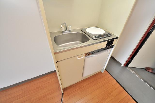 東大阪市足代北1丁目の賃貸マンション うれしいIHクッキングヒーター完備です。お手入れもラクですよ。