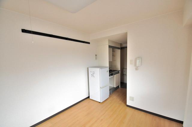 サニーハイム小若江 シンプルな単身さん向きのマンションです。