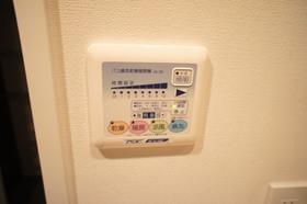 https://image.rentersnet.jp/3c82abee-415c-458a-b068-9b90c56184ef_property_picture_961_large.jpg_cap_浴室換気扇付きです。