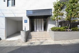 下北沢駅 徒歩13分エントランス