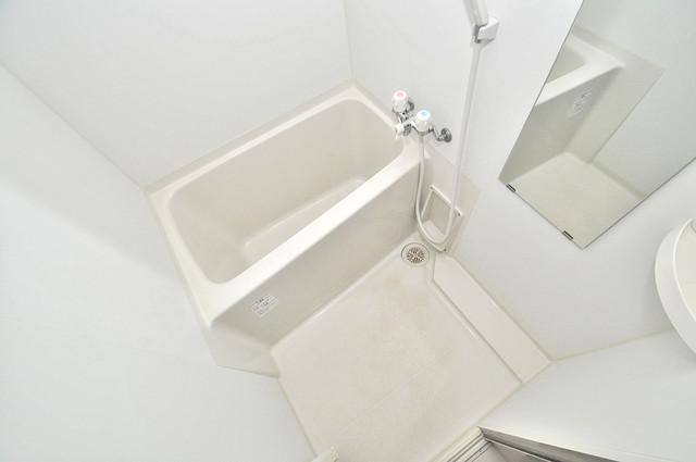 レジデンスやまびこ ちょうどいいサイズのお風呂です。お掃除も楽にできますよ。
