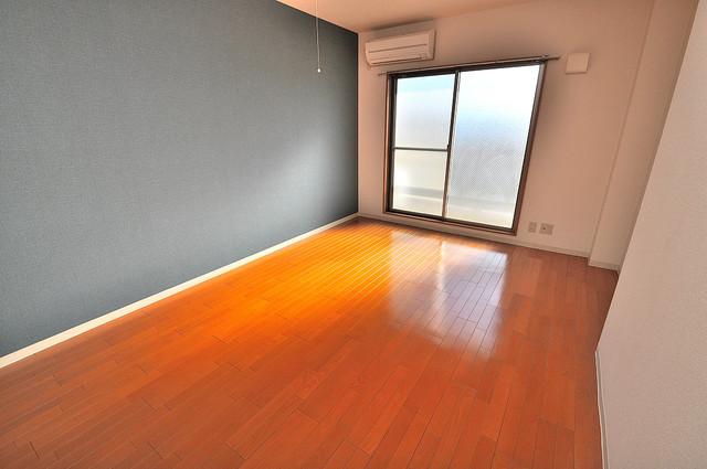 セレブ上小阪 明るいお部屋は風通しも良く、心地よい気分になります。