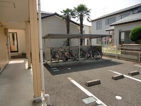 https://image.rentersnet.jp/3d08135c-d8bf-409b-adc5-8a4dcc2660fc_property_picture_2419_large.jpg_cap_駐輪場