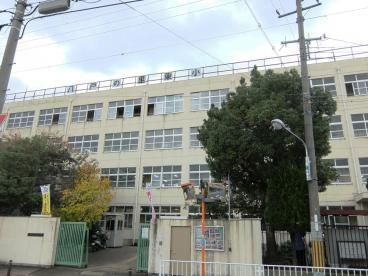 ソレアード三貴 東大阪市立八戸の里東小学校