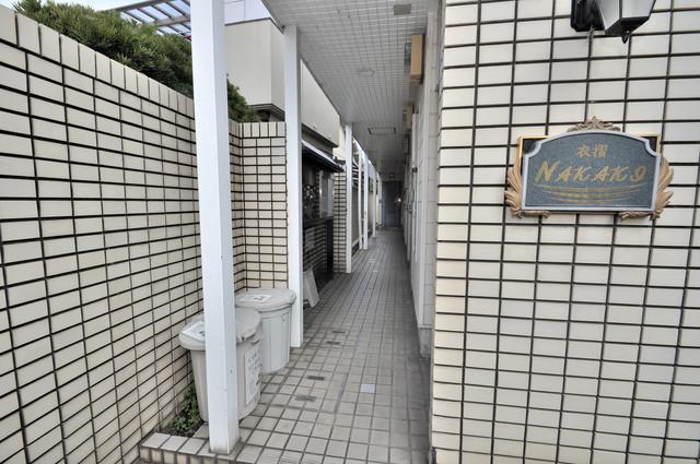 衣摺NAKAKI エントランス内にある各部屋毎のメールボックス。
