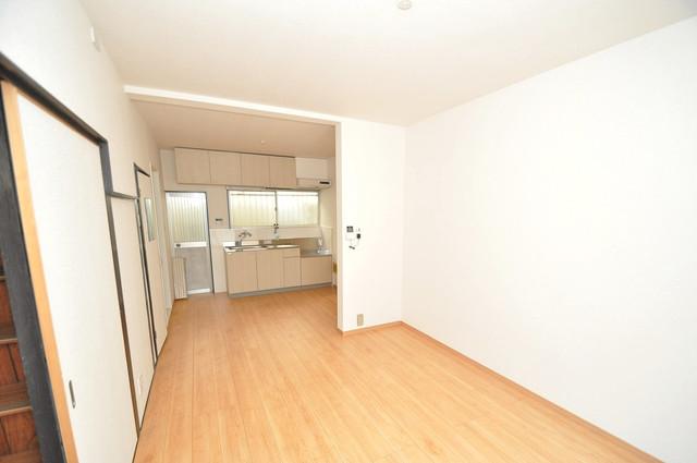 長田3-1-35 貸家 解放感がある素敵なお部屋です。