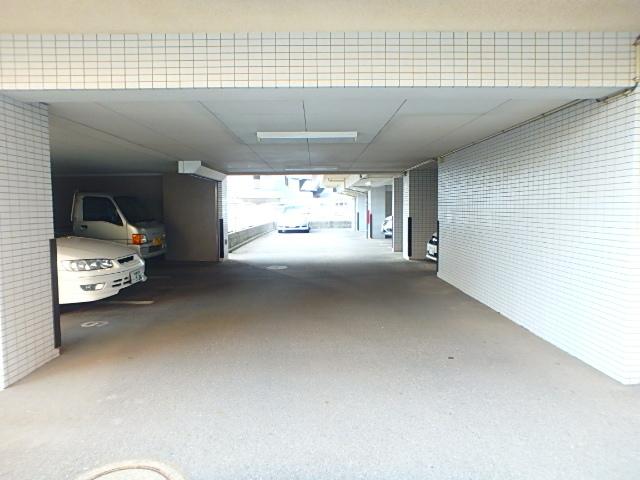 ベルハイツ3駐車場