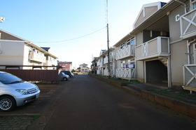 https://image.rentersnet.jp/3dac96fd-f77e-4943-8e34-80a5e85794df_property_picture_2988_large.jpg_cap_駐車場