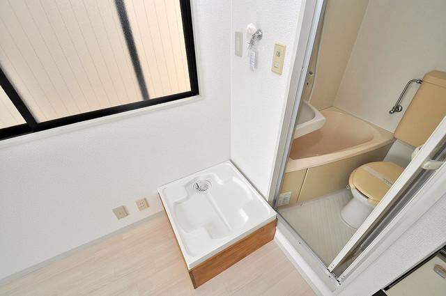 コシベ八戸ノ里 洗濯機置場が室内にあると本当に助かりますよね。